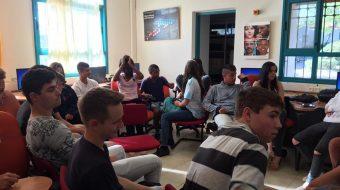 בני נוער במפגש של TechLift